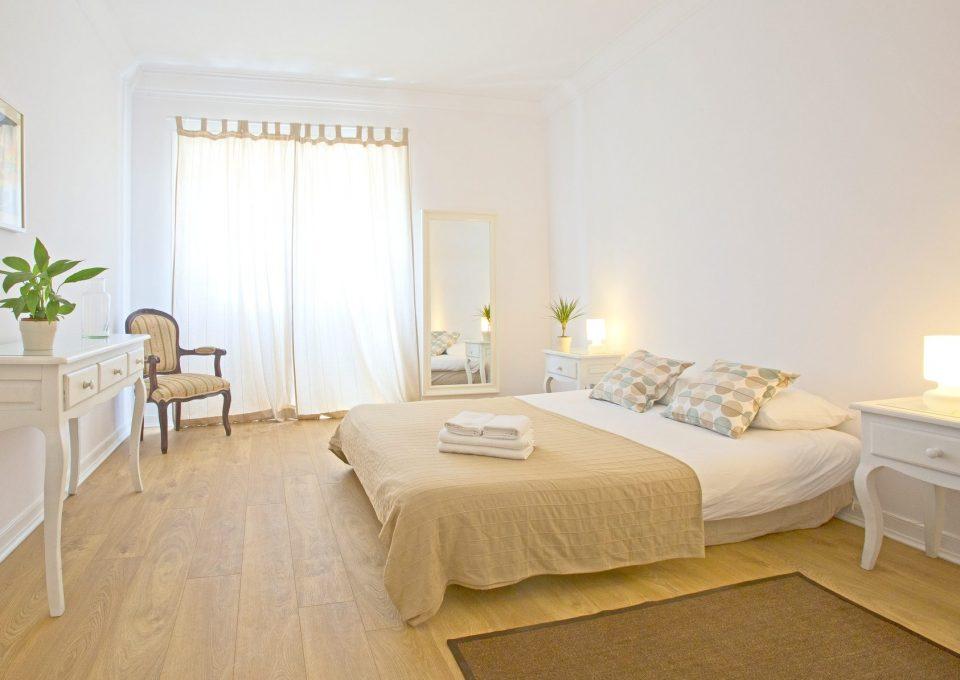 Amar Hostel, Suites & Surf Camp - Ericeira, Portugal - accomodation